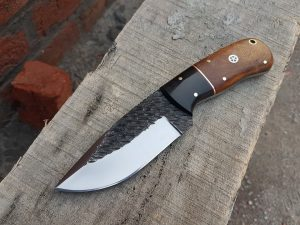 Best Skinning Knife in '2019' - Reviews and Advanced Buyer's Guide